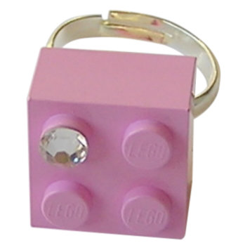 ​Light Pink LEGO® brick 2x2 with a 'Diamond' color SWAROVSKI® crystal on a Silver plated adjustable ring ​finding