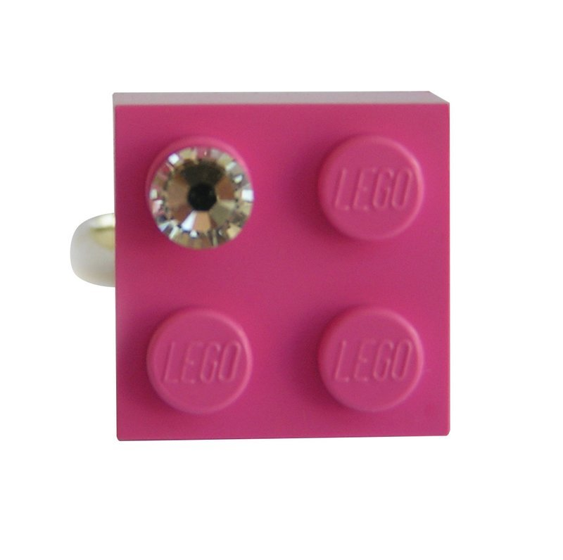 ​Dark Pink LEGO® brick 2x2 with a 'Diamond' color SWAROVSKI® crystal on a Silver plated adjustable ring finding​