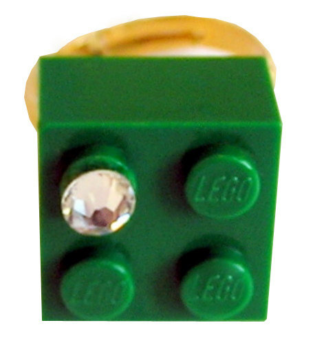 ​Dark Green LEGO® brick 2x2 with a 'Diamond' color SWAROVSKI® crystal on a Gold plated adjustable ring finding​
