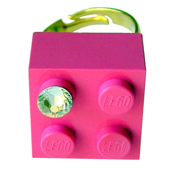 Dark Pink LEGO® brick 2x2 with a 'Diamond' color SWAROVSKI® crystal on a Gold plated adjustable ring finding