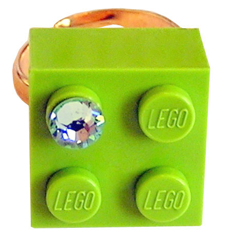 Light Green LEGO® brick 2x2 with a Green SWAROVSKI® crystal on a Gold plated adjustable ring finding