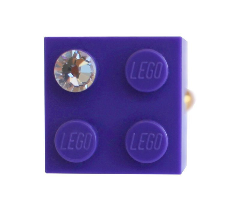 ​Purple LEGO® brick 2x2 with a 'Diamond' color SWAROVSKI® crystal on a Gold plated adjustable ring finding