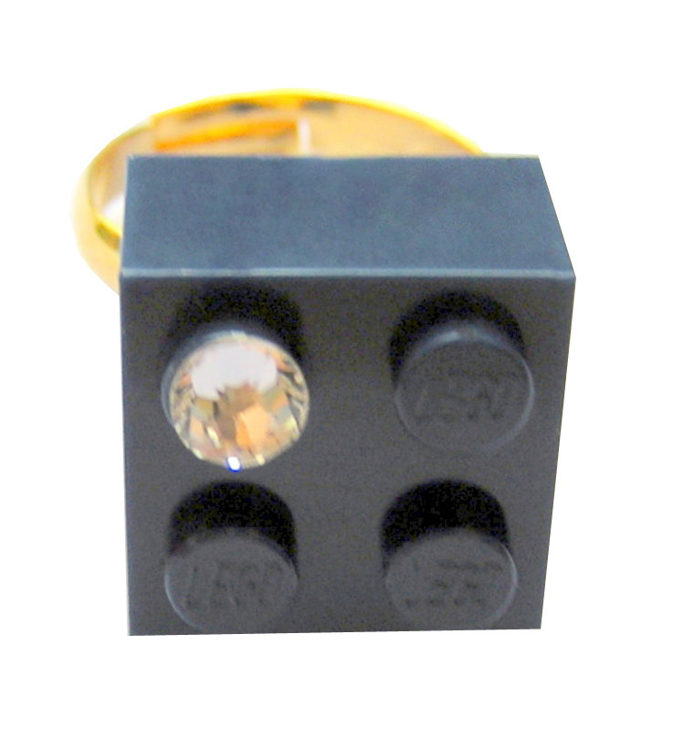 Navy Blue LEGO® brick 2x2 with a 'Diamond' color SWAROVSKI® crystal on a Gold plated adjustable ring finding