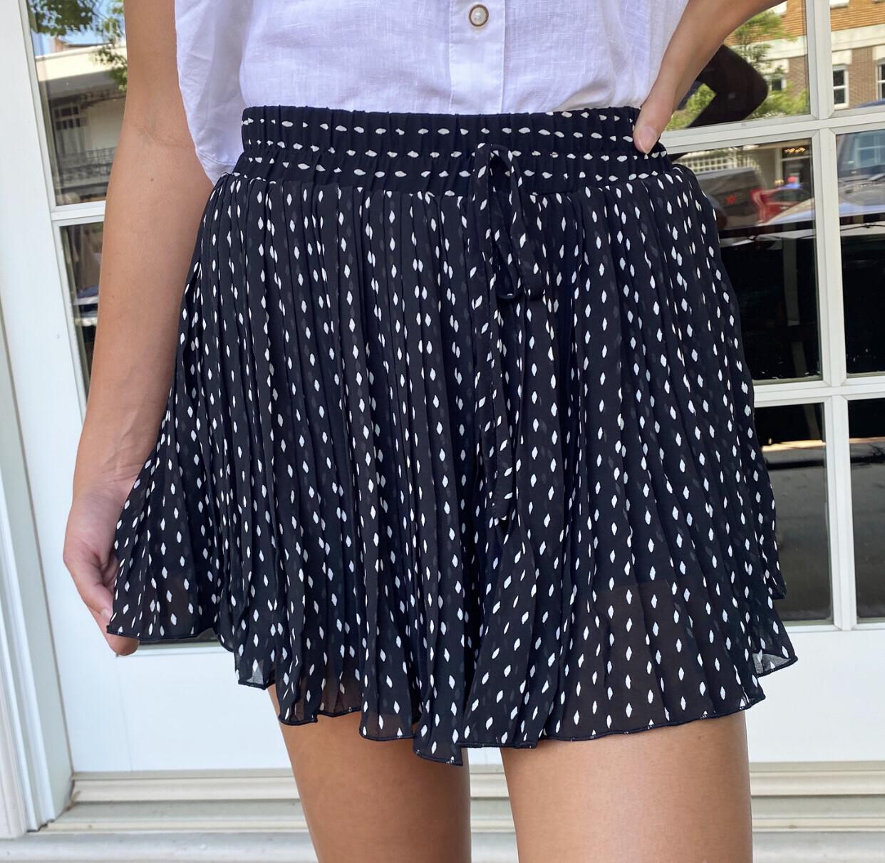 Black Dottie Short