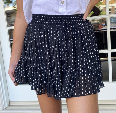 Black Dottie Short