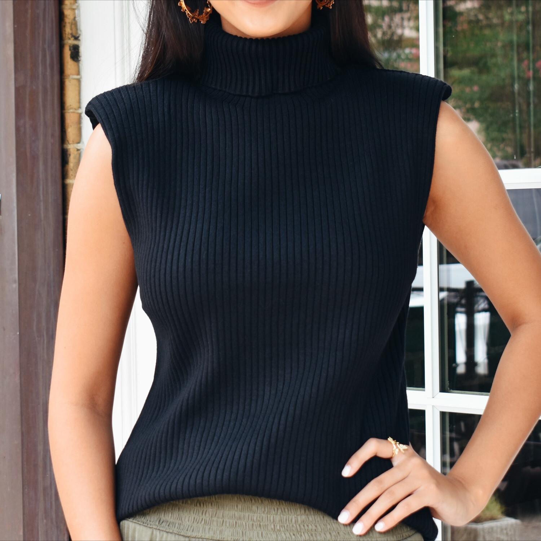 Padded Turtleneck Sweater (black)