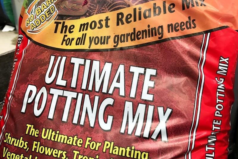 Ferti-lome Ultimate Potting Soil 8 Qt.bag