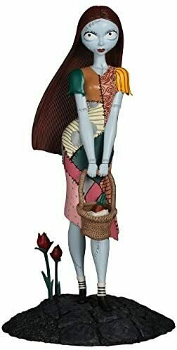 Diamond Select Toys The Nightmare Before Christmas: Sally Femme Fatales PVC Figure Statue