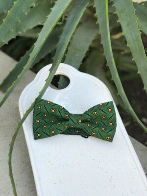 Green & Yellow Pattern Bowtie