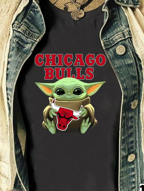 Chicago Bulls Baby Yoda Star Wars The Mandalorian The Child First Memories Floating NBA Basketball Dad Mon Kid Fan Gift T-Shirt Long Sleeve Sweatshirt Hoodie Jolly Family Gifts