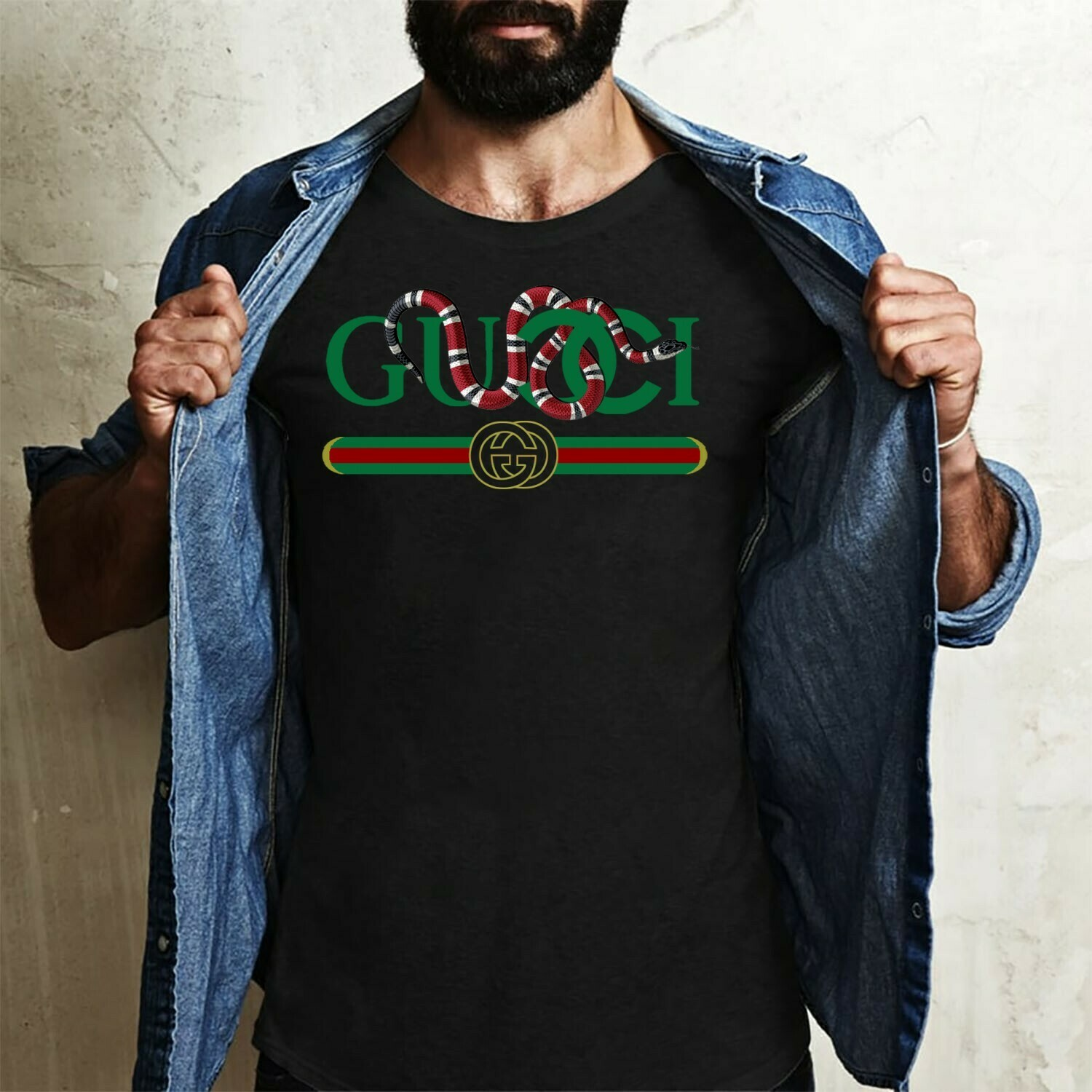 Gucci Snake,Logo Gucci,Gucci Shirt,Gucci T-shirt,Gucci Logo,Gucci Fashion shirt,Fashion shirt,Gucci Design shirt,Snake Gucci vintage shirt Long Sleeve Sweatshirt Hoodie Jolly Family Gifts