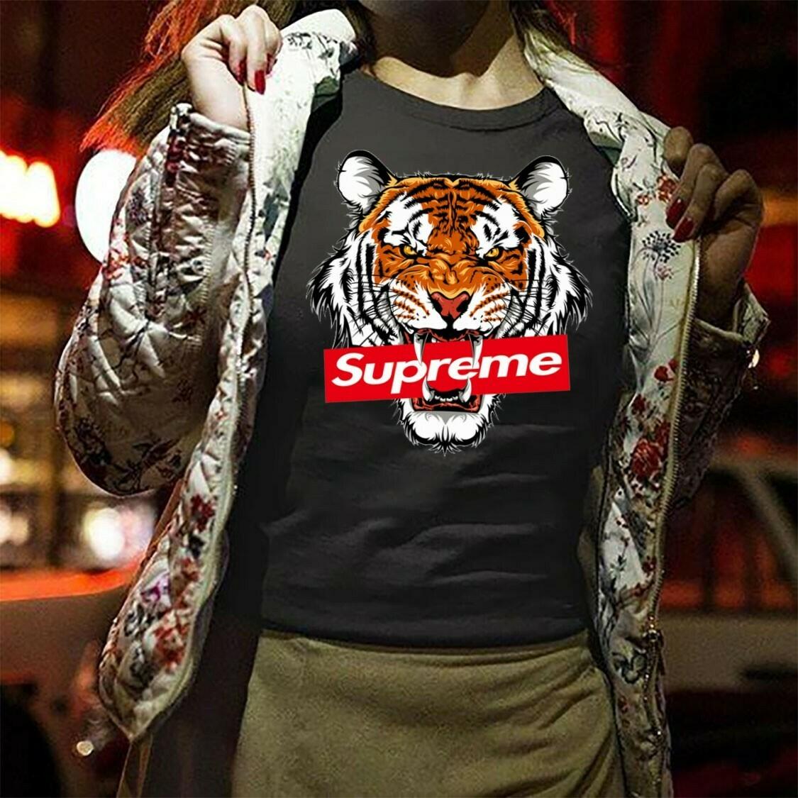 Tiger Supreme,Logo Gucci,Gucci Shirt,Gucci Tshirt,Gucci Logo,Gucci Fashion shirt,Fashion shirt,Gucci Design shirt,Snake Gucci vintage shirt Long Sleeve Sweatshirt Hoodie Jolly Family Gifts