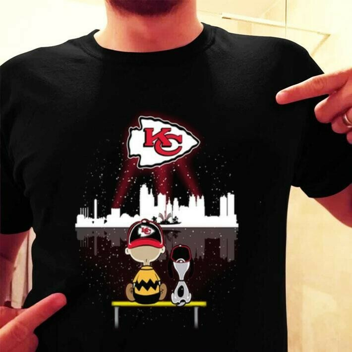 Kansas City Chiefs Snoopy,Woodstock and Charlie Brown,Peanuts Friends Floating Football Team Dad Mon Kid Fan Gift T-Shirt Long Sleeve Sweatshirt Hoodie Jolly Family Gifts