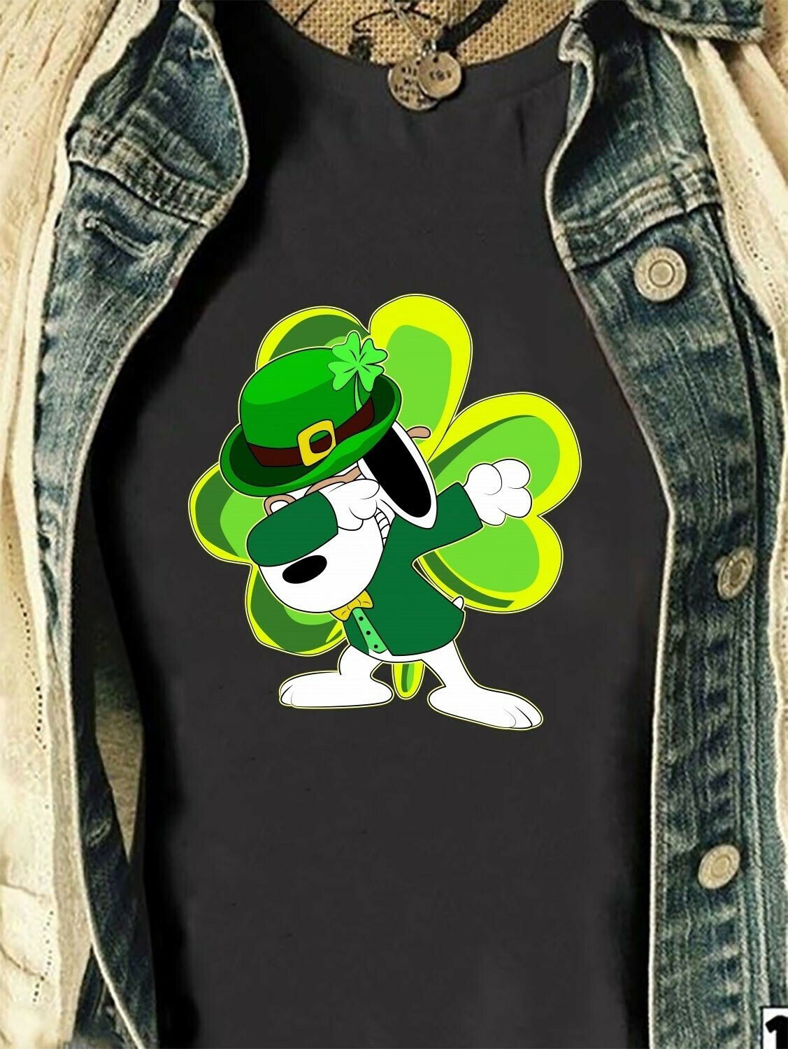 Dabbing St Patrick's Day Shamrock Leprechaun Snoopy Irish,The Peanuts Cool Stay Stylish Four Leaf Clover  T-Shirt Hoodie Sweatshirt Sweater Tee Kids Youth Gifts Jolly Family Gifts