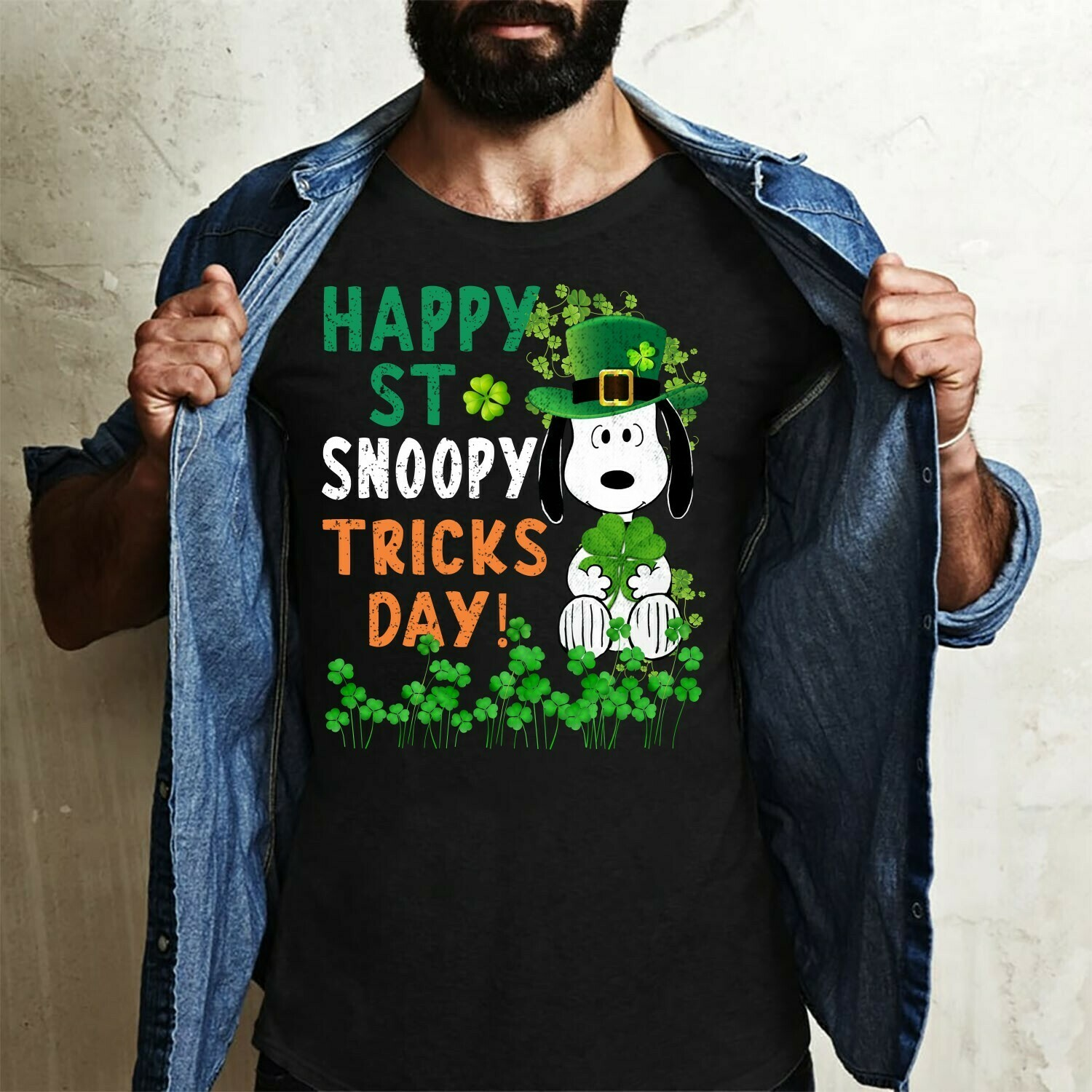 Happy St Irish Snoopy Tricks Day Green Shamrock Hats Peanuts Feelin' Lucky Four leaf Clover Charm  T-Shirt Hoodie Sweatshirt Sweater Tee Kids Youth Gifts Jolly Family Gifts