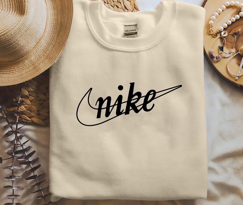 Nike Fashion Sweatshirt, Nike logo and Symbol Shirt, Nike Sweatshirt, Nike Streetwear, Unisex Crewneck, Streetwear Shirt, Gift For Her Trending Hoodie Sweatshirt Sweater for Ladies Women Men