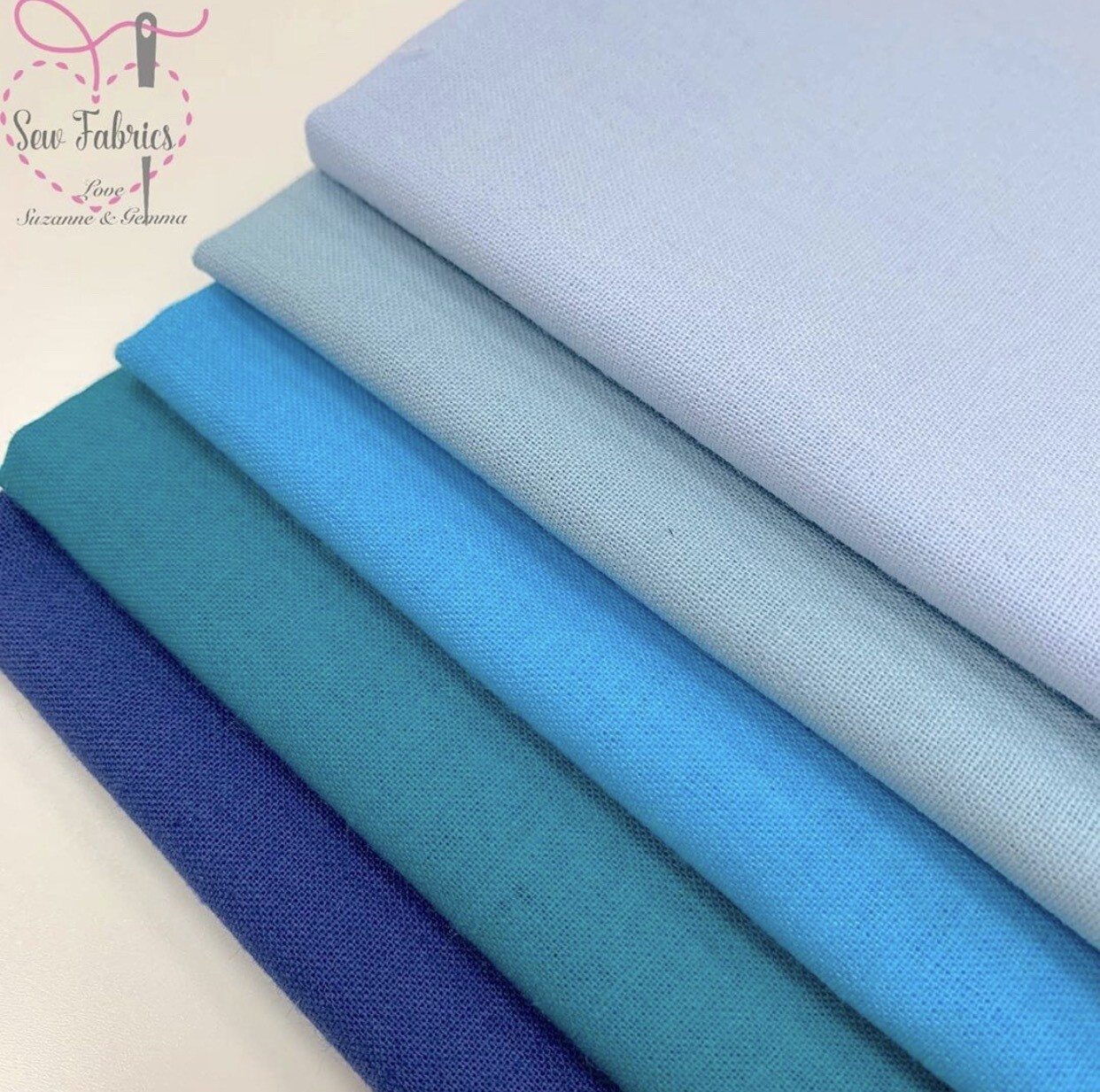 100% Craft Cotton Fabric Solid Blue 5 Piece Fat Quarter Bundle, Duck egg, Pale Blue, Turquoise, Teal, Navy