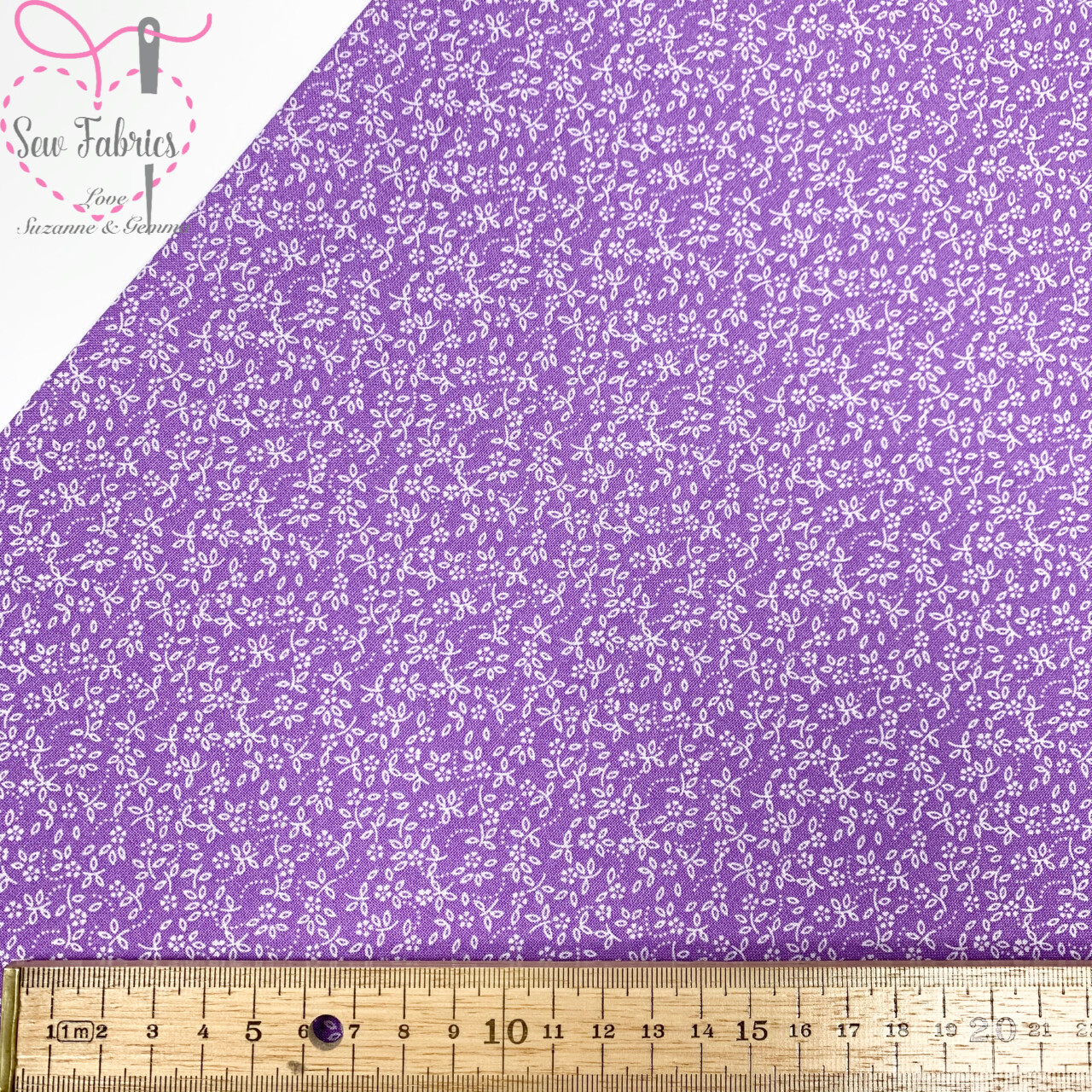 Lavender Lilac 100% Craft Cotton Ditsy Daisy Fabric Purple