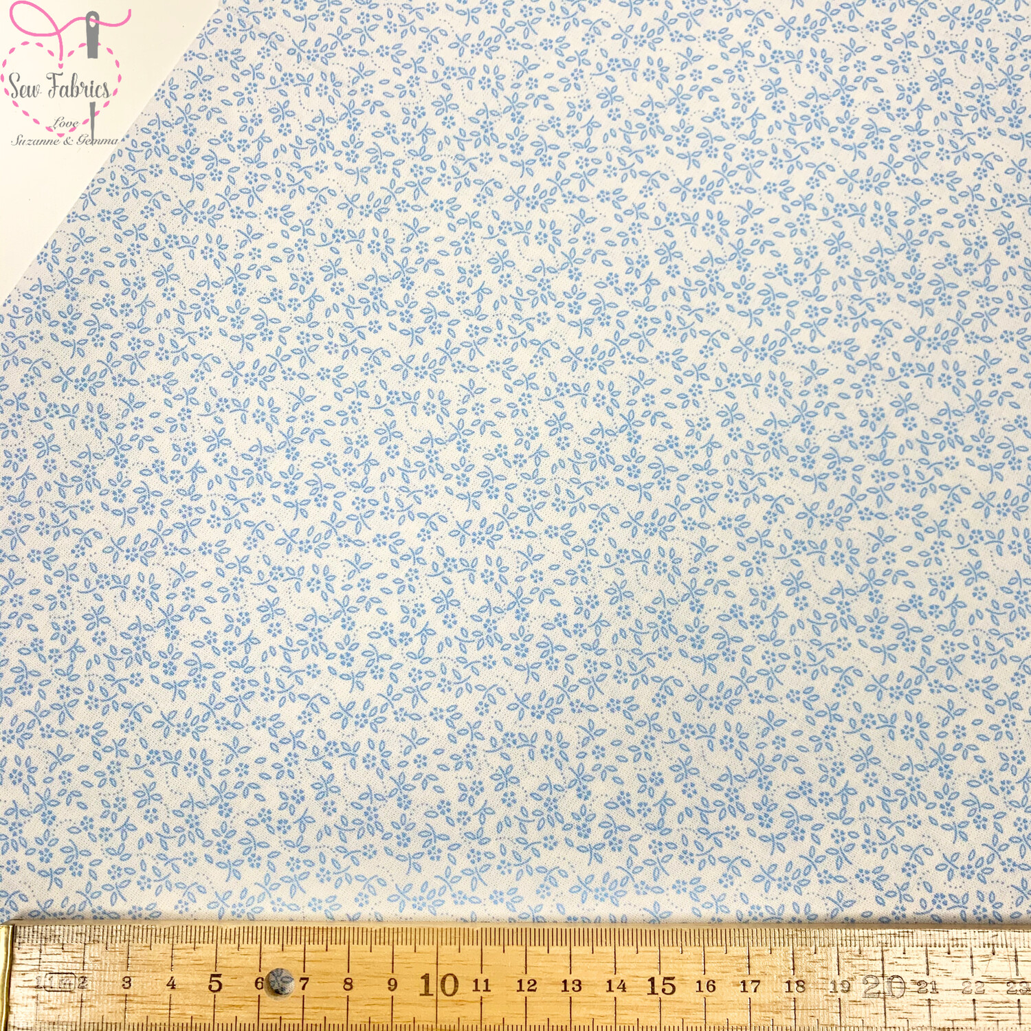 Sky Blue on Ivory Background100% Cotton Ditsy Daisy Fabric