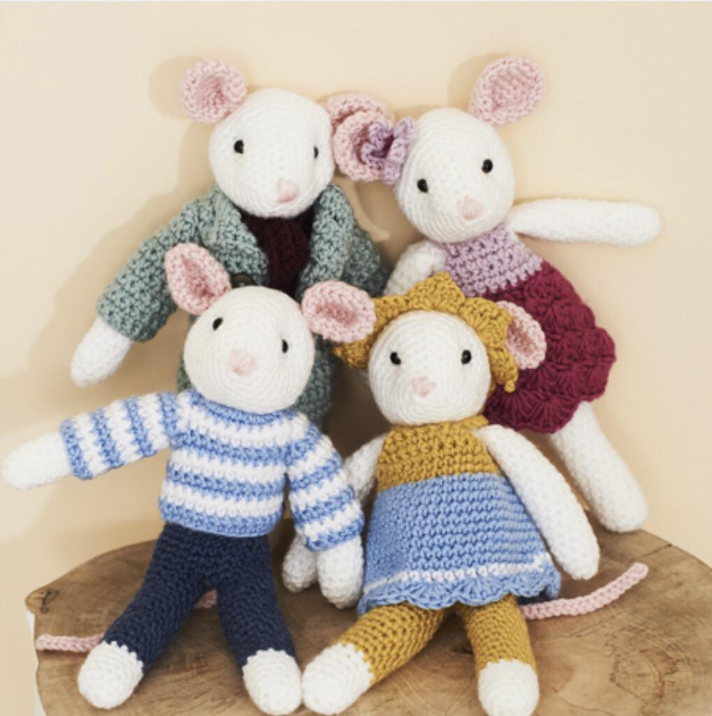 Stylecraft Mice Family Pattern 9664