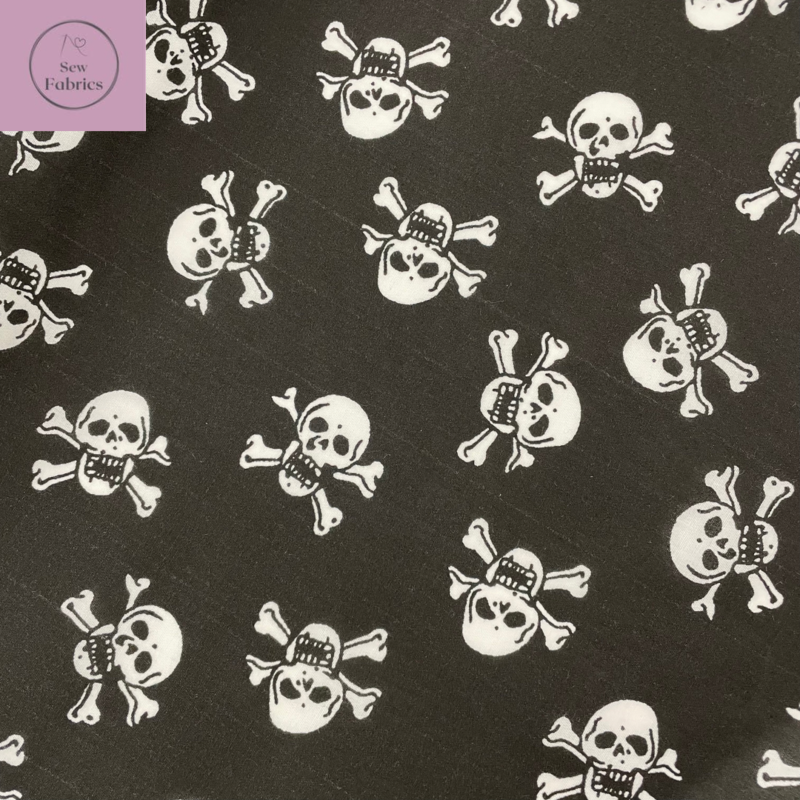 1 mtr x Black and White Skull and Crossbones Novelty Print Polycotton Fabric, Halloween Material