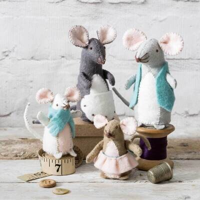 Mouse Family Felt Craft Kit by Corinne Lapierre
