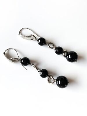 Orecchini in argento con onice nero