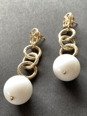 Orecchini argento con sfera agata bianca