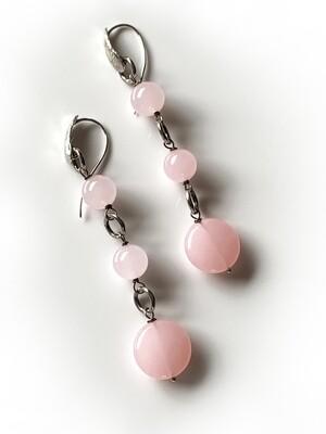 Orecchini con elementi in quarzo rosa