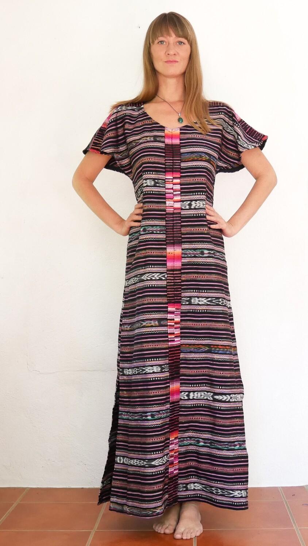 """YAKAYA Damen Kleid Goddess Maxi Dress """"Anandi"""" mit Ikat Muster Stoff und Handstickerei, aus Guatemala - jedes Teil ein Unikat - Ethno, Hippie, Boho - Style"""
