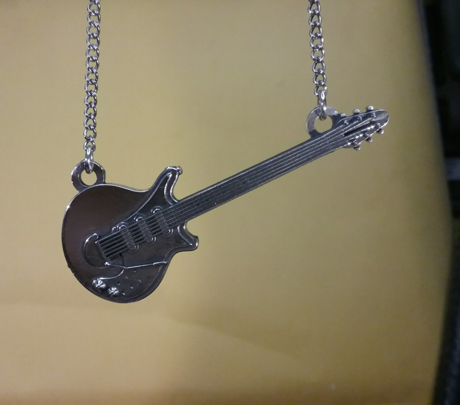 "Brian May's ""Red Special"" Guitar pendant small Horizontal"