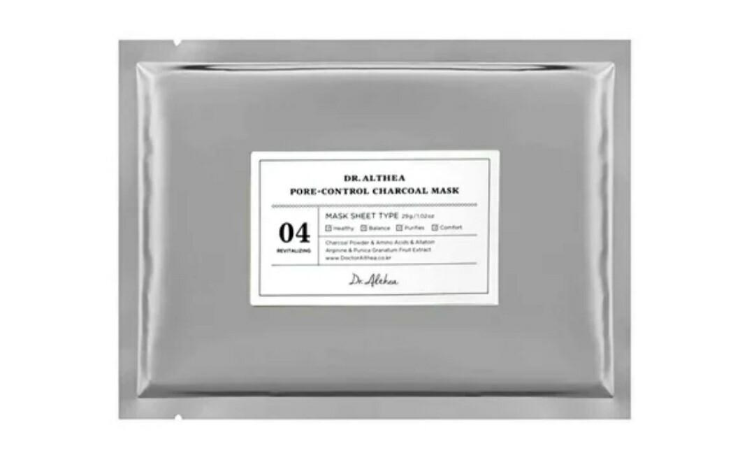 Чёрная тканевая маска с углём для сужения пор Dr.Althea Pore-Control Charcoal Mask, 28 гр.