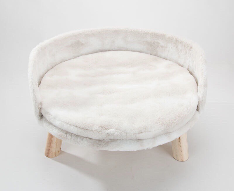 Pet Bed/lounge Two Sizes