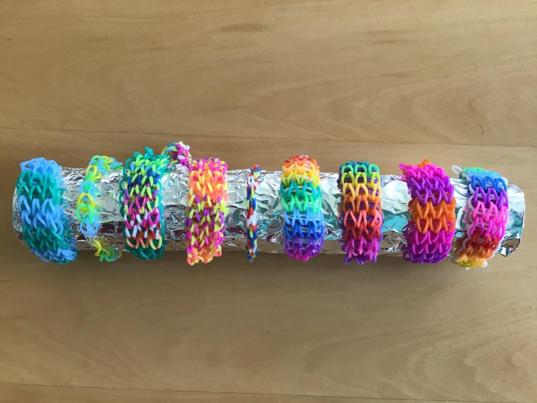 Trendige Loom-Armbänder