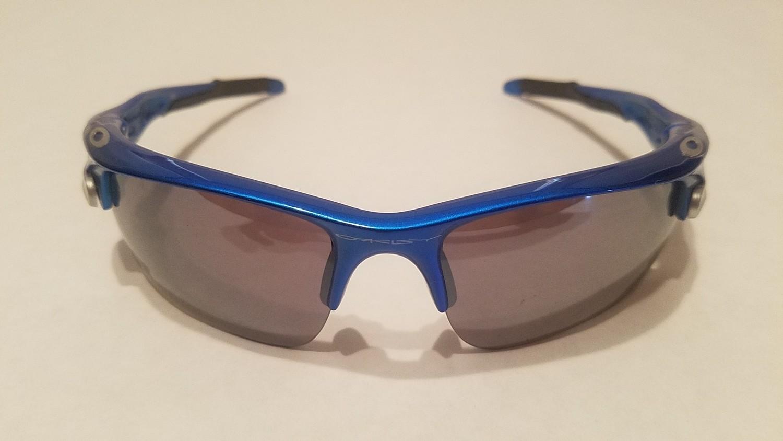 Sport Style Sunglasses :: Blue Frames w/ Black Earpiece & Removable Lenses