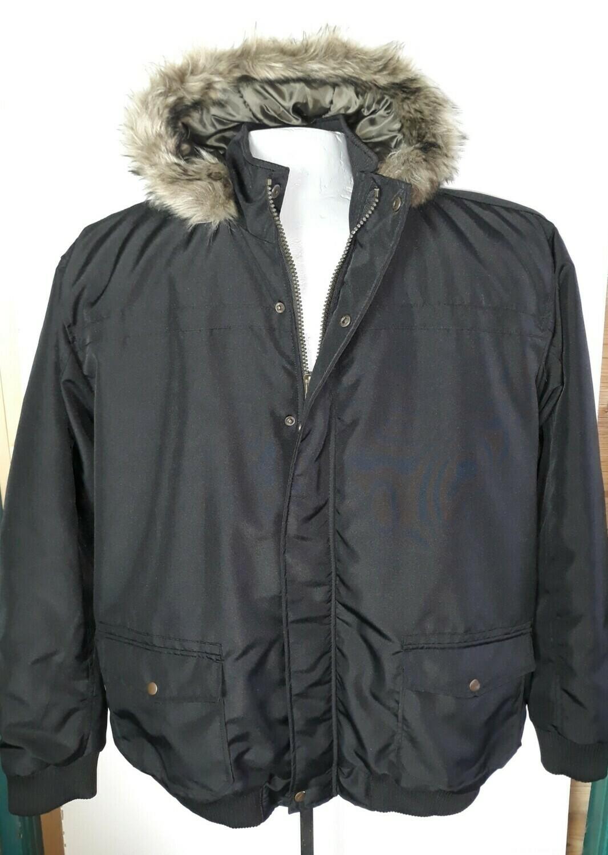 4xl-es szőrme galléros téli férfi kabát