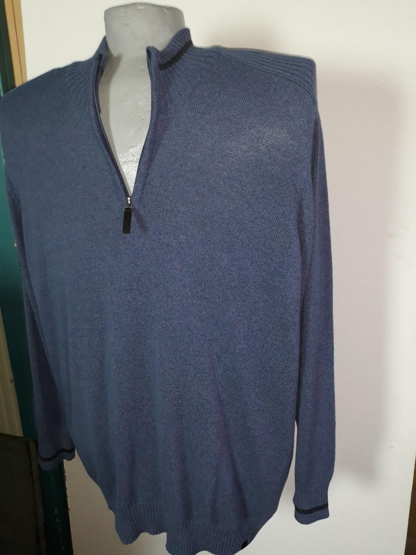 4xl-es cipzáras nyakú kötött férfi pulóver