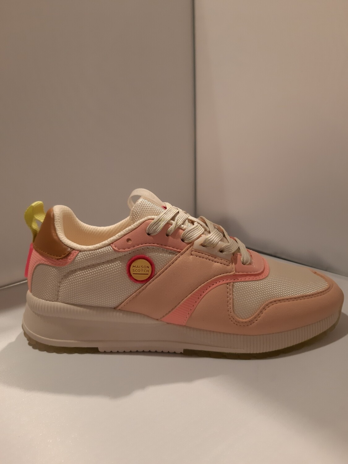 Scotch And Soda | Sneaker roze tintent met felle accenten