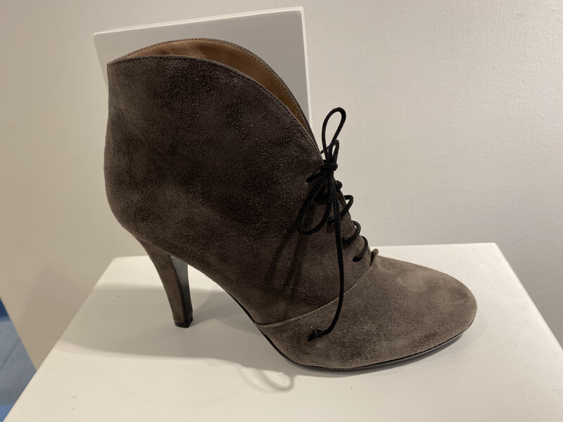 GIORM BOOT MET VETERS TAUPE DAIM