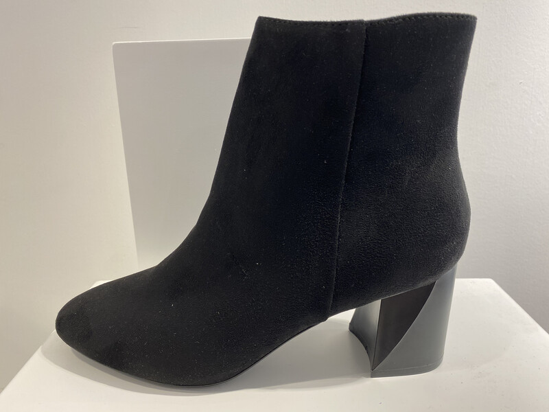 KENDALL AND KYLIE BOOT ZWART DAIM