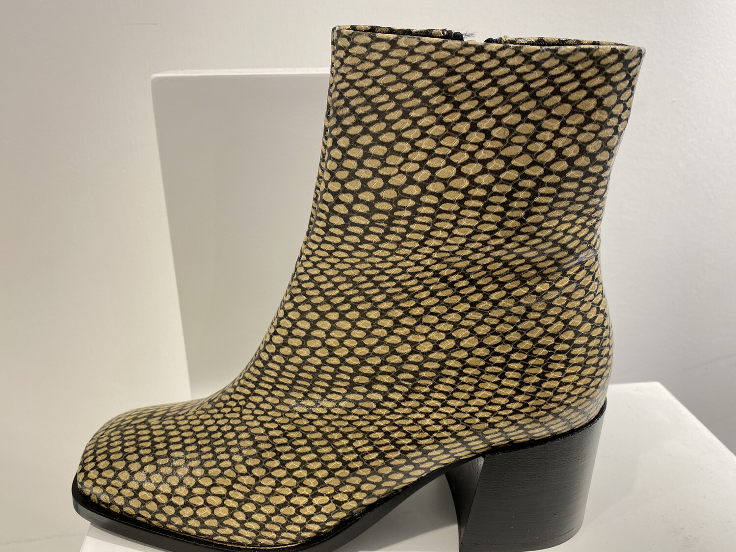 SCOTCH AND SODA BOOT BEIGE MET PITON PRINT