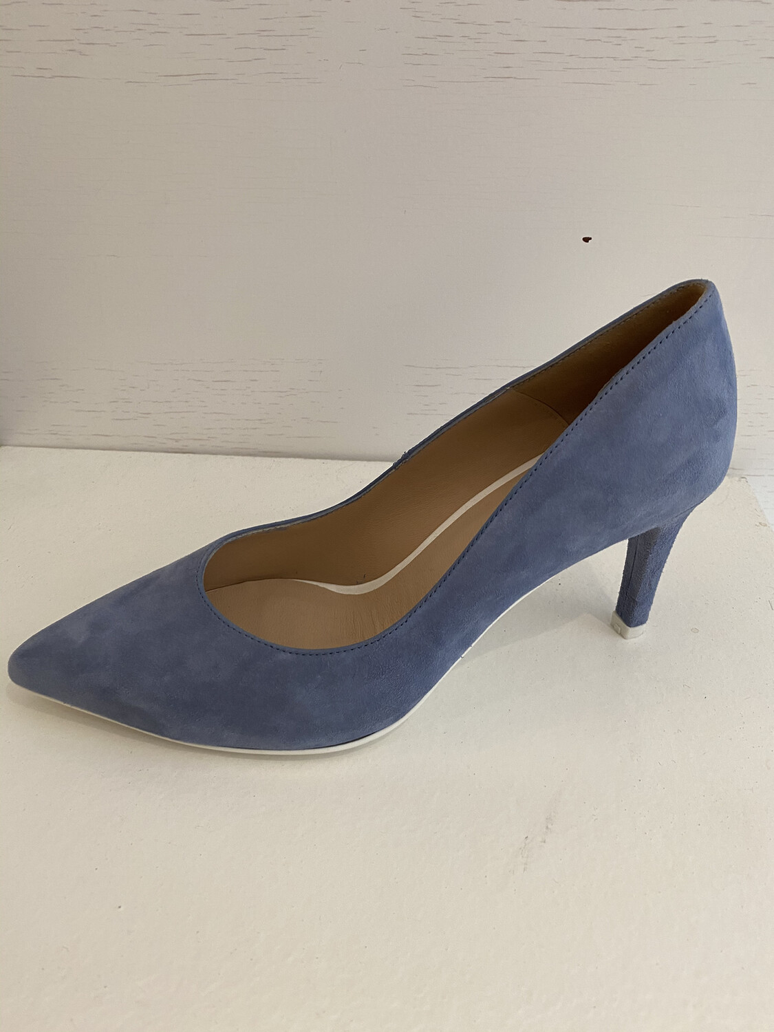 CATWALK PUMP IN LICHTBLAUWE DAIM