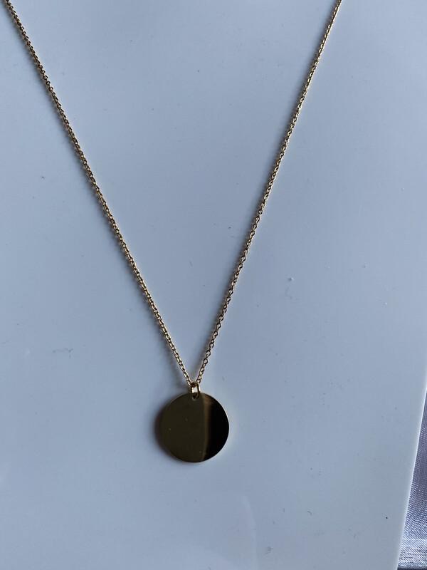 halsketting goud met cirkelvormig hangertje