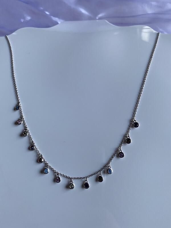 halsketting zilver met fijne gekleurde steentjes