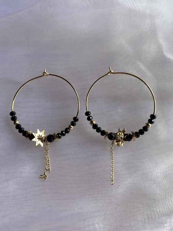 oorringen goud ringen met zwarte steentjes en ketting