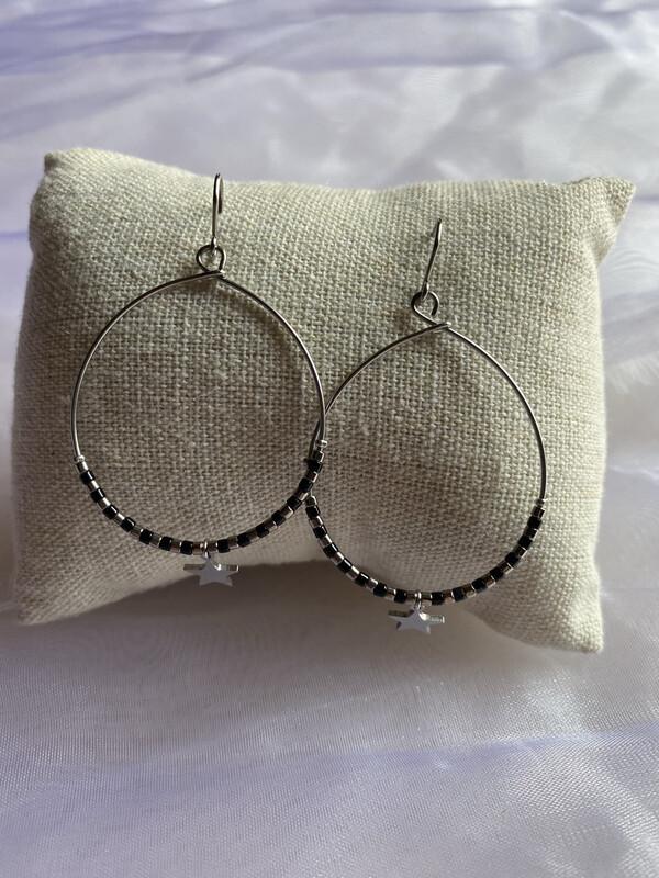 oorringen hangers zilver met zwarte steentjes en ster