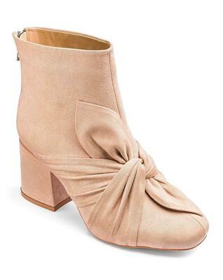 Moteriški batai (Kreminės spalvos, medžiaginiai)