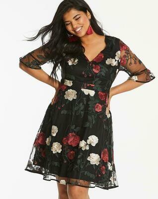 Gėlėta suknelė