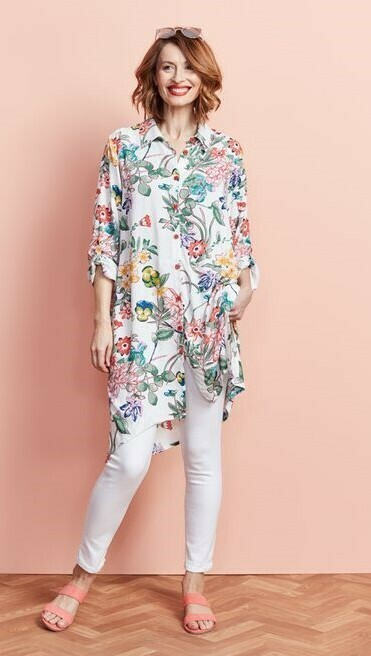 Gėlėta marškinių tipo suknelė-tunika
