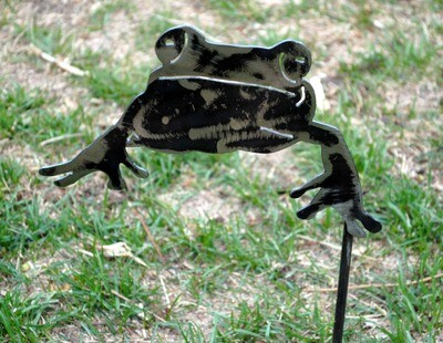 Metal Frog Yard Art